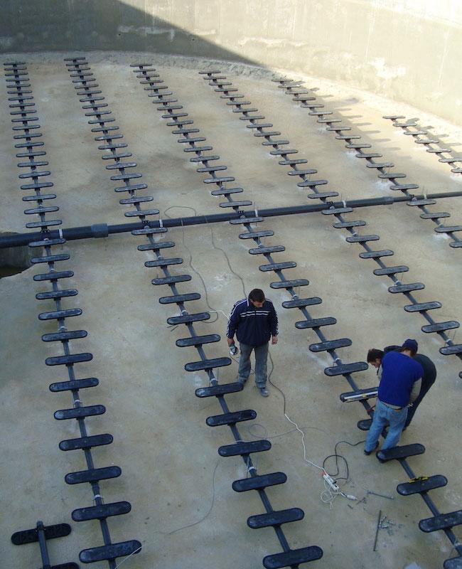 Монтаж на аерационна система с плоски дифузори в промишлена ПСОВ